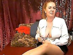 Mature pantyhose show
