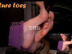 Mature Feet Rub