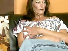 Sexy Milf Mimi Masturbates by TROC
