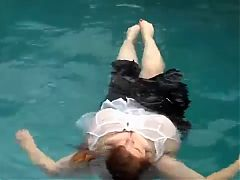 Big titts make great floaters