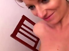 Sexy MILF 18
