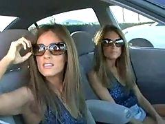 Catching Twin Girlfriends F70