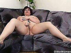 Busty and mature BBW masturbates with vibrator