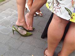 Gold Candid Legs #3 Mature Legs