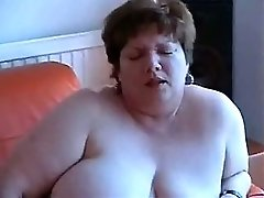 Fat Gal Playing With Her Pussy