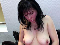 Amateur mom with soaking wet vagina