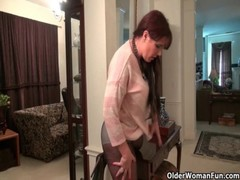 Pantyhose Make Mom Lauren&#039 S Pussy Scream For Attention