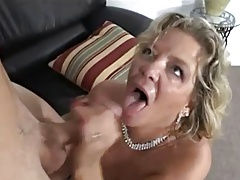 A mature woman takes it in her seasoned pusyy