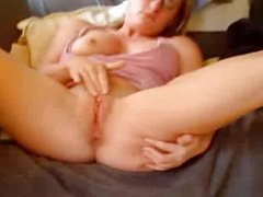Horny milf cumming loundy