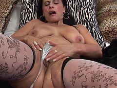Mature brunette milf big boobs 323