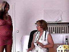 Frau Doktor Und Die Junge Bitch