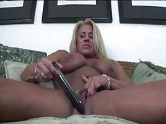 Muscular Milf Loves To Show Of All Her Hard Earned Work