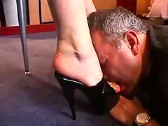 Lickclean my wifes feet and shoes