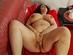 Nicely Plump Oxana