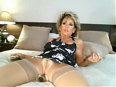 Ch american 65 granny like to see my cock