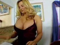 Booty milf sex in the kitchen